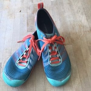 Merrell Vapor Glove 2, turquoise and orange shoe